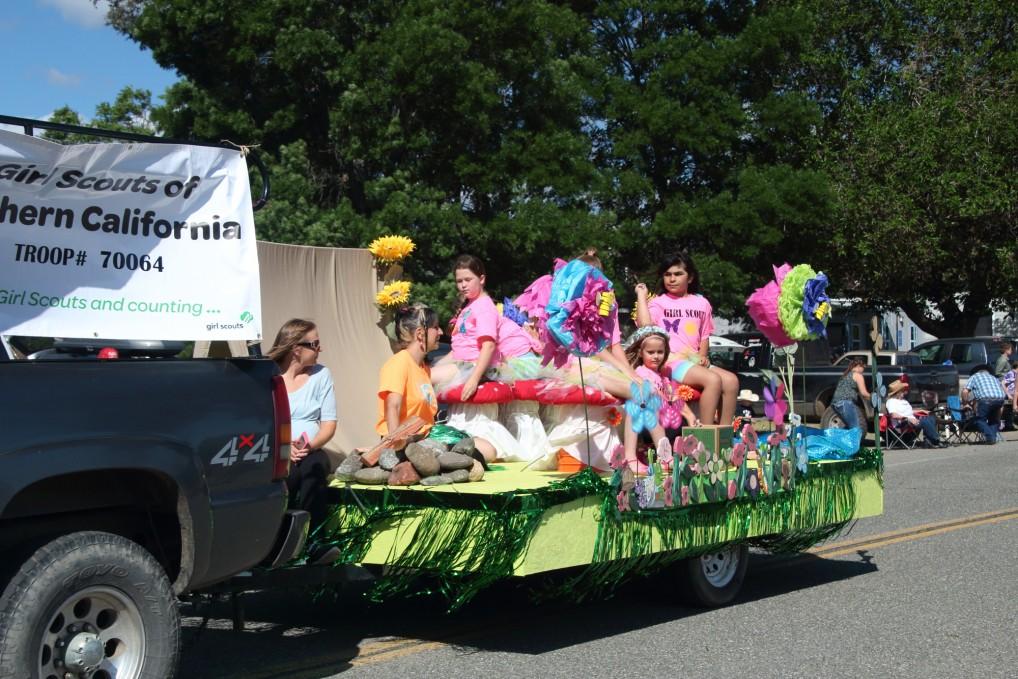 Parade Sony Creek Horsemen S Association